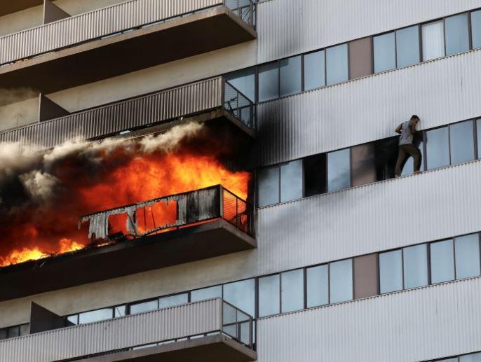 high-rise fire (ap).jpg
