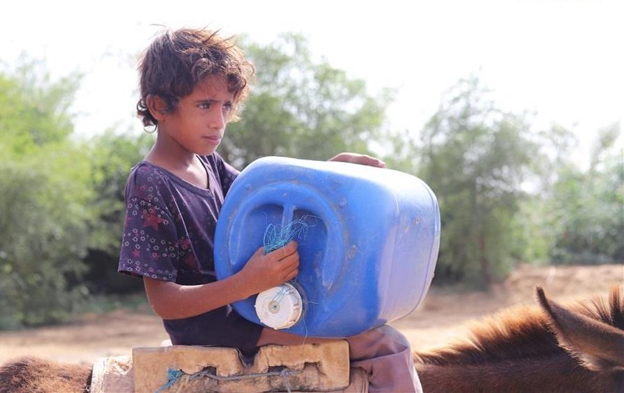 People suffer from water shortage in Yemen