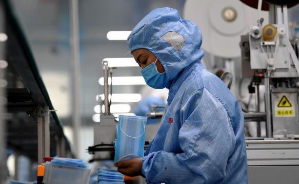 China's Hubei reports 1,220 new confirmed cases of novel coronavirus pneumonia