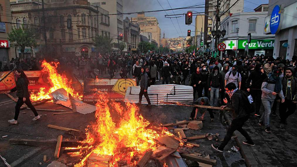 Fourth death as protests grow in Chile