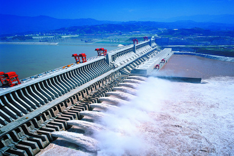Three Gorges reservoir discharges more water to help fight against epidemic