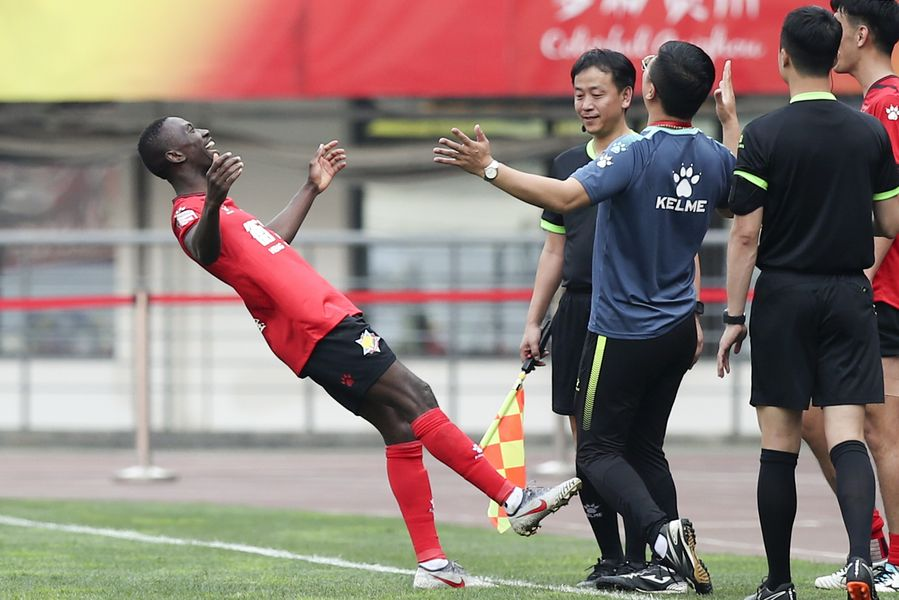 Nine football clubs forced to quit China's professional leagues due to financial ruin