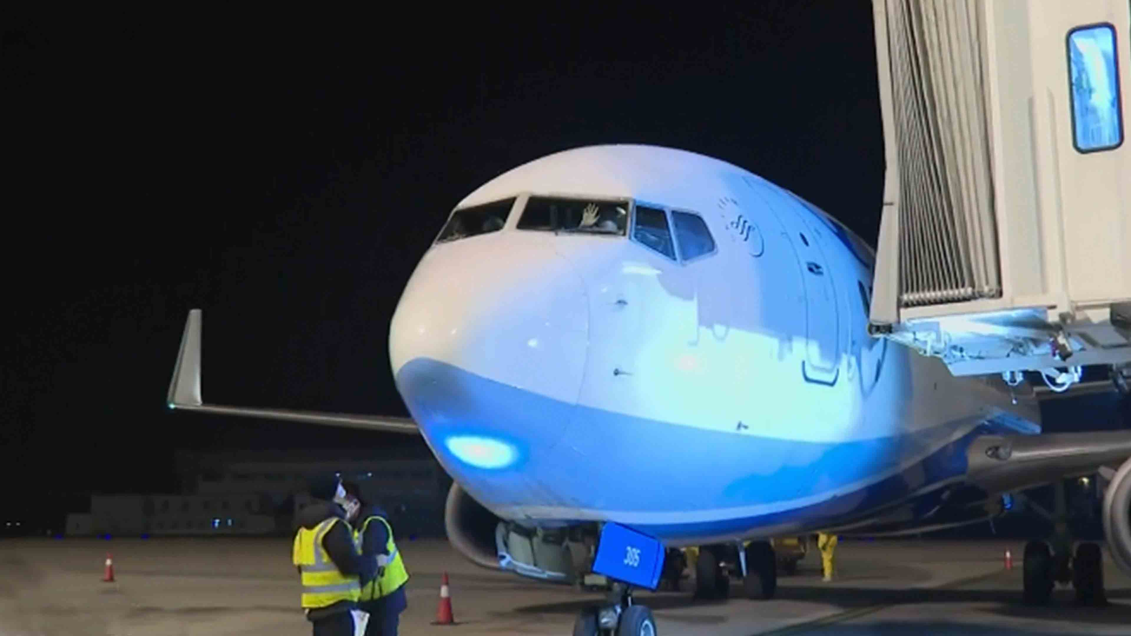 Charter flights bring home over 1,500 Hubei residents stranded overseas