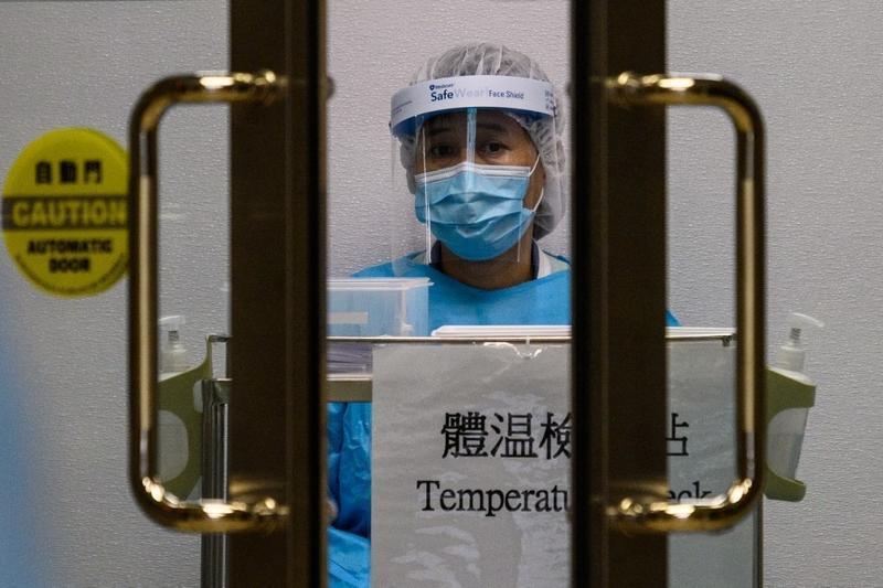 Coronavirus: HK police offer camp for quarantine center