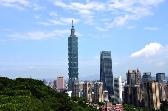 Taiwan compatriots, enterprises donate funds, materials for mainland's virus battle