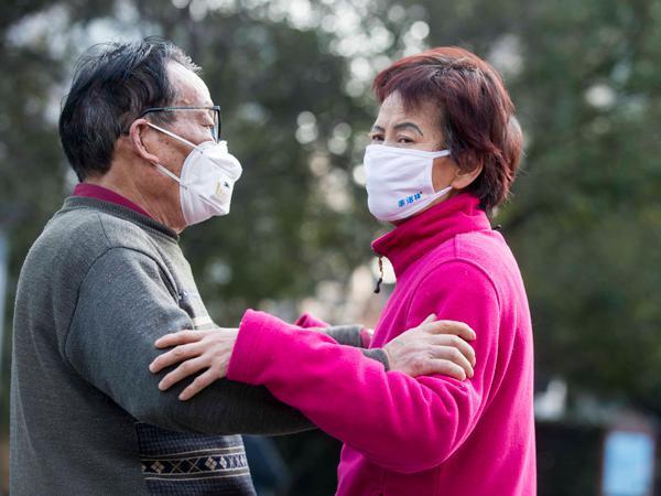 Shanghai makes wearing masks mandatory in public places