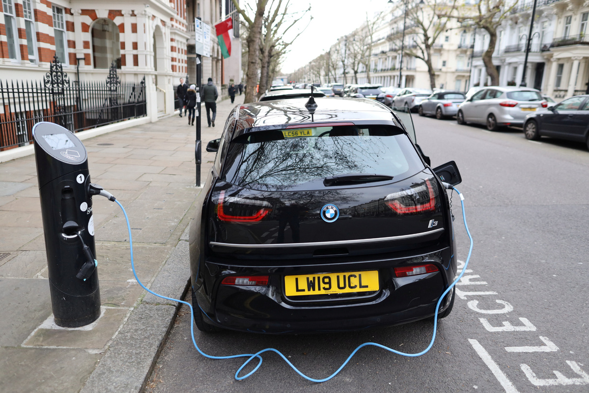 UK's speedier ban on fuel, hybrid cars causes stir