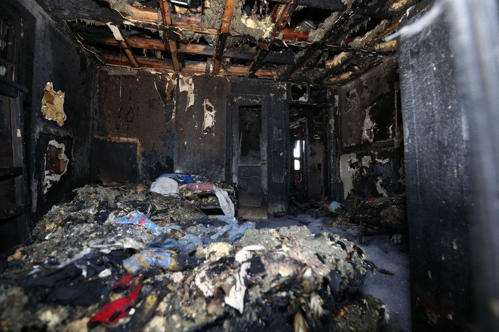 Mom, 6 kids die in Mississippi house fire; dad injured