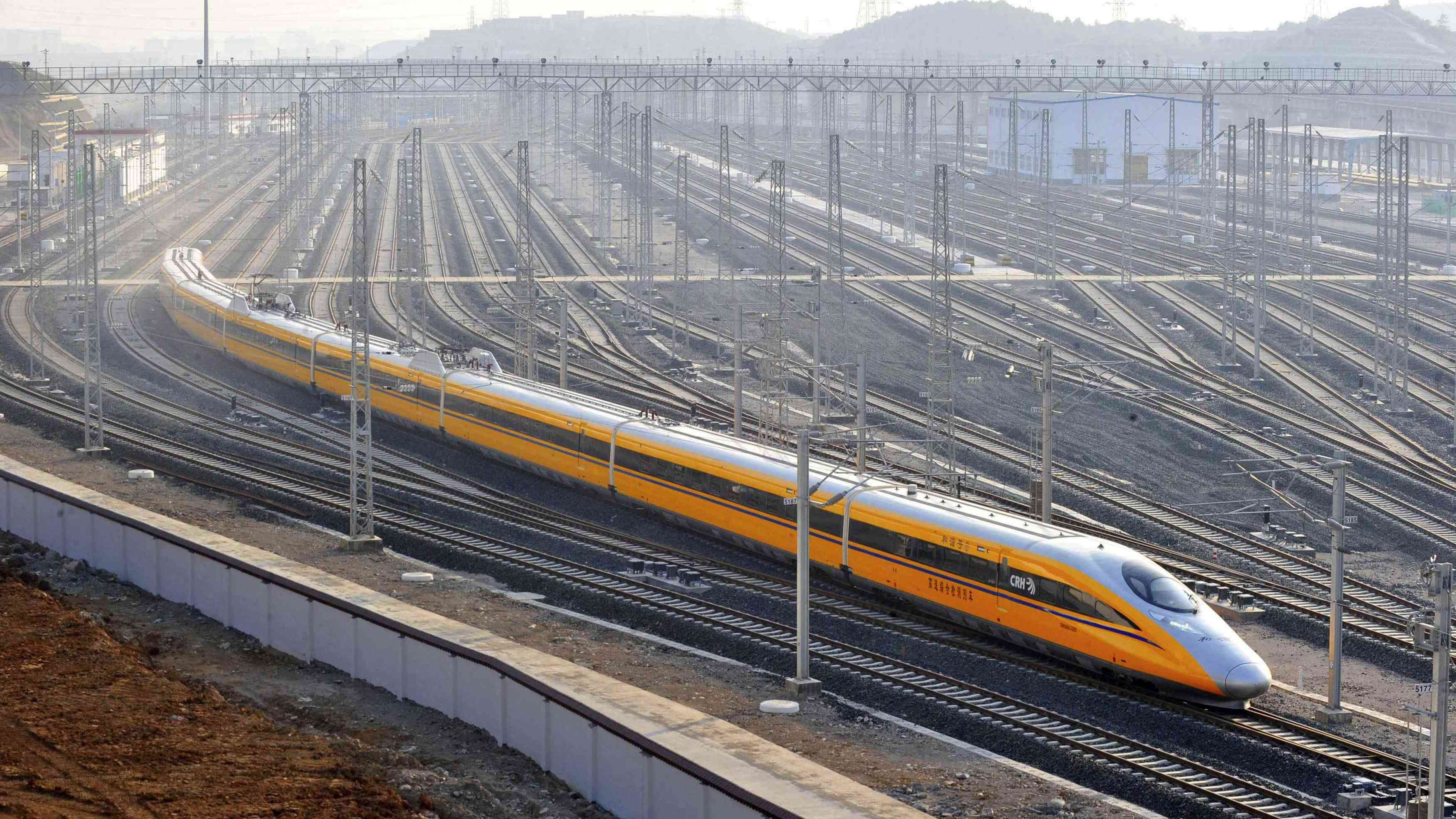 China's railway cargo transport rises in January