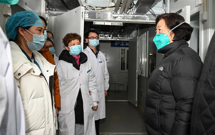 Chinese vice premier stresses racing against time to treat patients