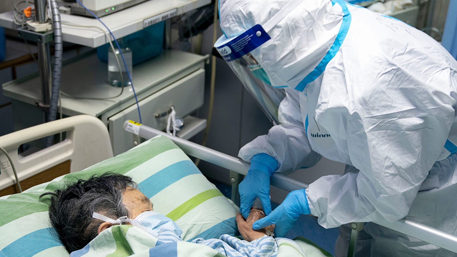 "Guangdong sends ""hospital"" to epicenter of coronavirus outbreak"