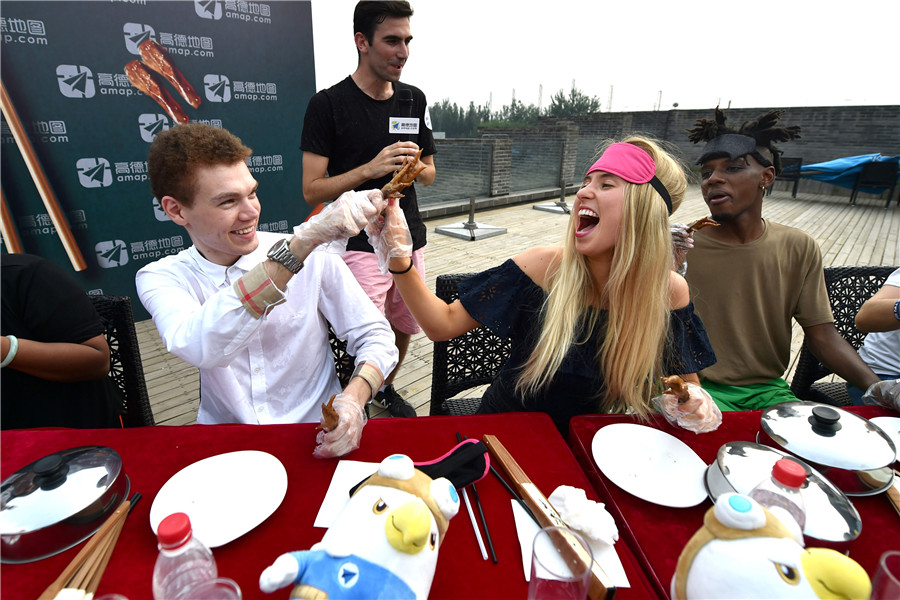 Foreigners ride China's e-celebrity wave