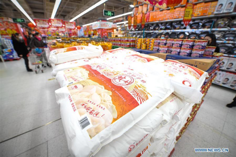 Big wholesale markets, supermarkets return to business