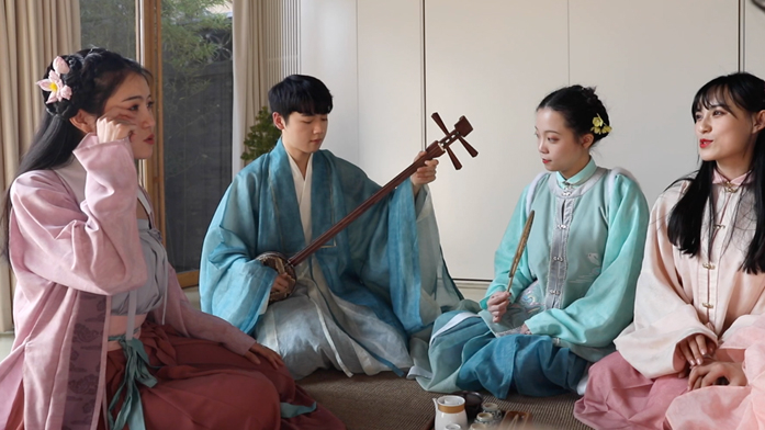 The hit of traditional Hanfu among youth turns to big business