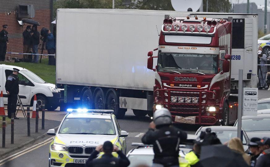 migrant truck (ap).jpg