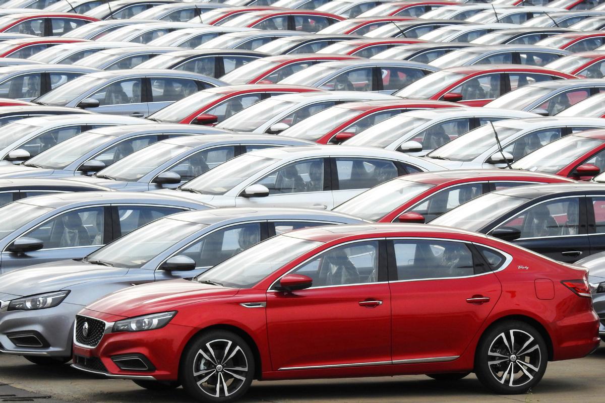 China's auto sales drops amid epidemic