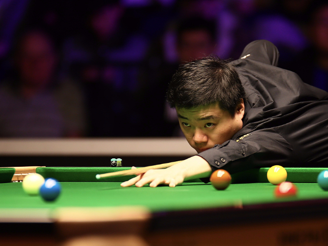 Mark Selby eased past China's Chen while Ding Junhui advanced at Welsh Open