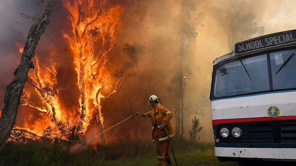 Aussie state contains all bushfires for 1st time during catastrophic season