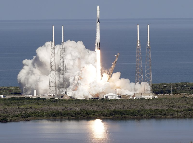 SpaceX rocket launches 5th batch of 60 internet satellites into space