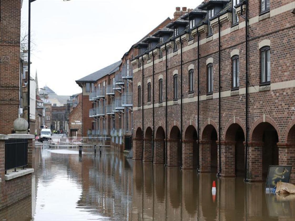 Flood hits York, Britain