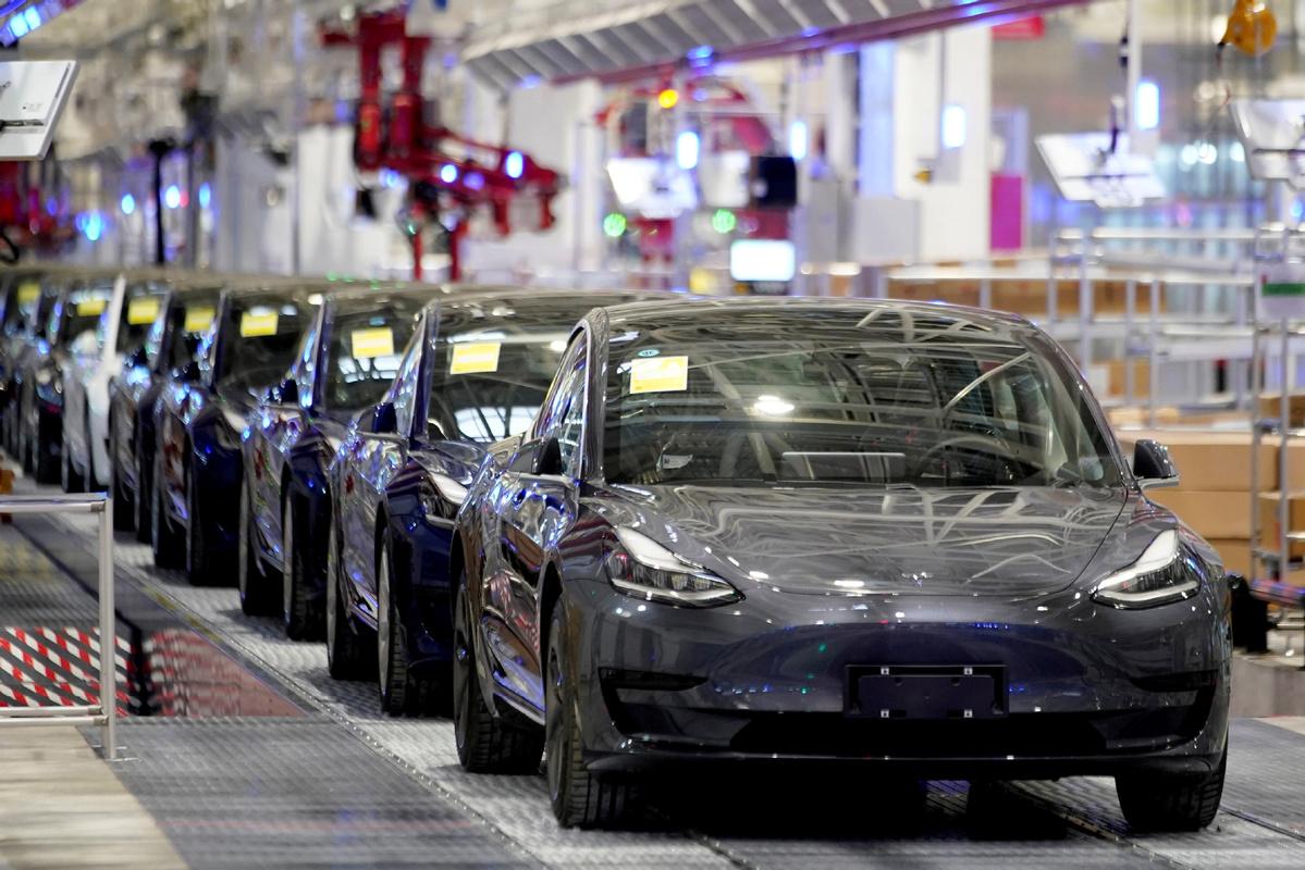German court halts Tesla car factory preparations