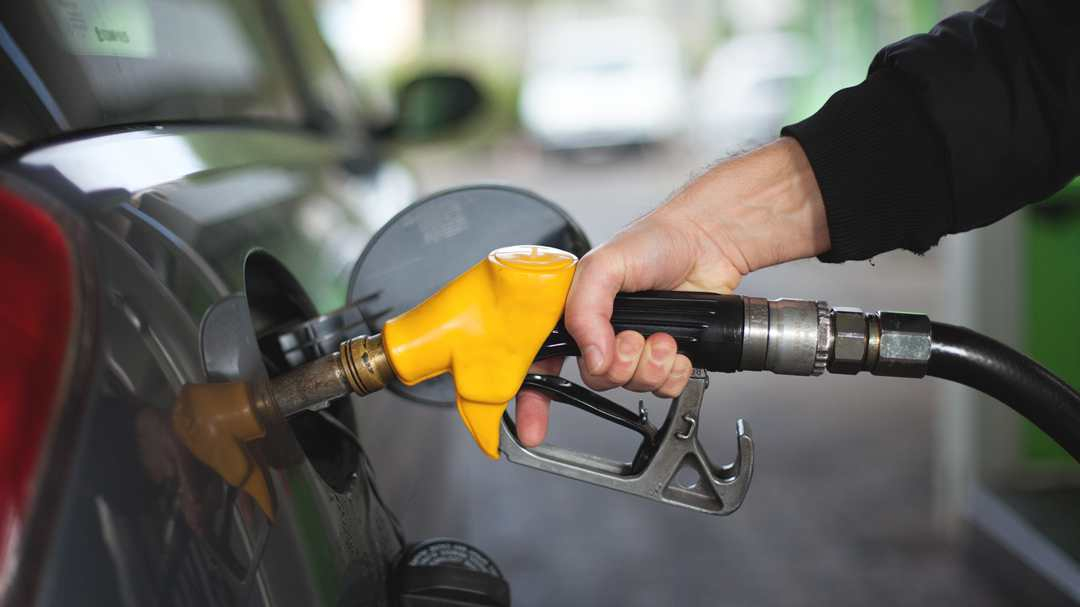 China to cut retail oil prices
