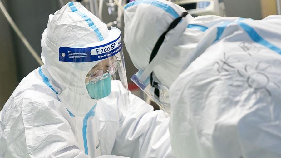 China to cut some pension, insurance fees to help enterprises combat coronavirus