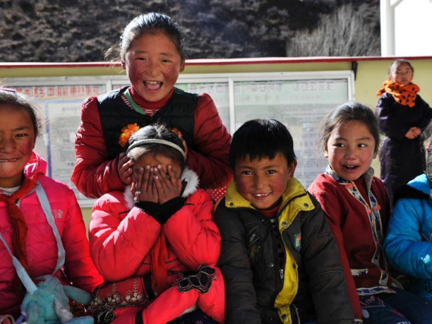 All 32 Tibetan counties in Sichuan Province shake off poverty