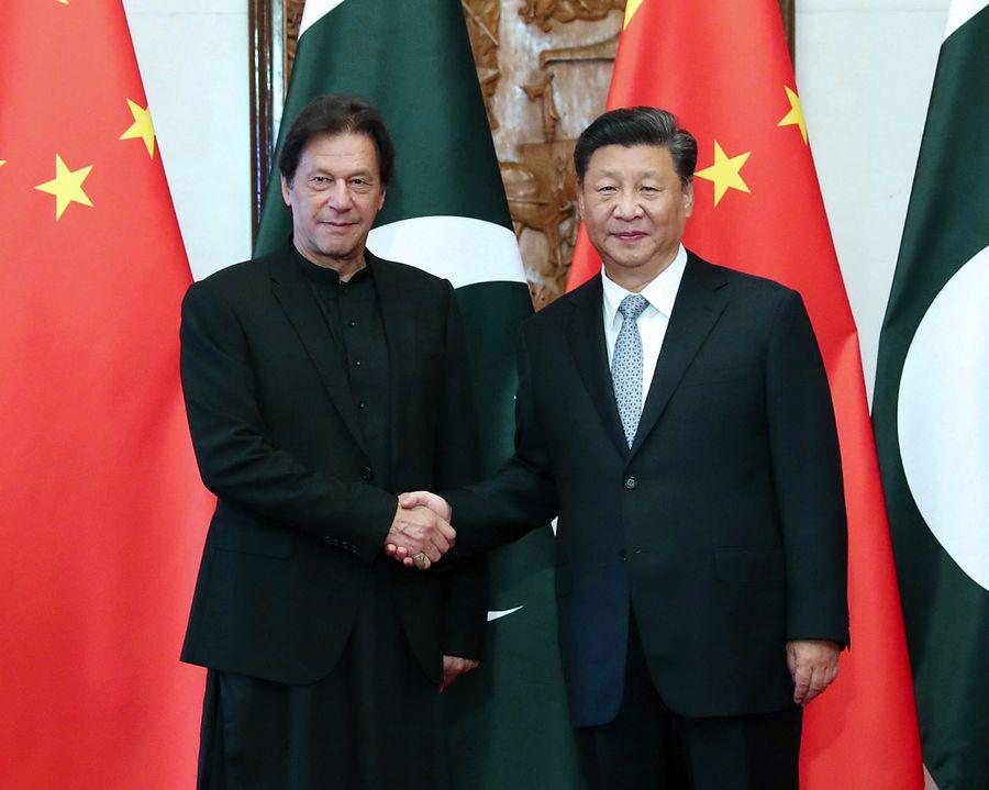 Xi hails China-Pakistan brotherhood in phone call with Pakistani PM on epidemic
