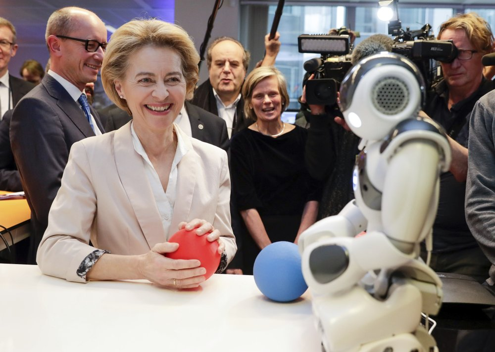 EU proposes rules for AI to limit risks