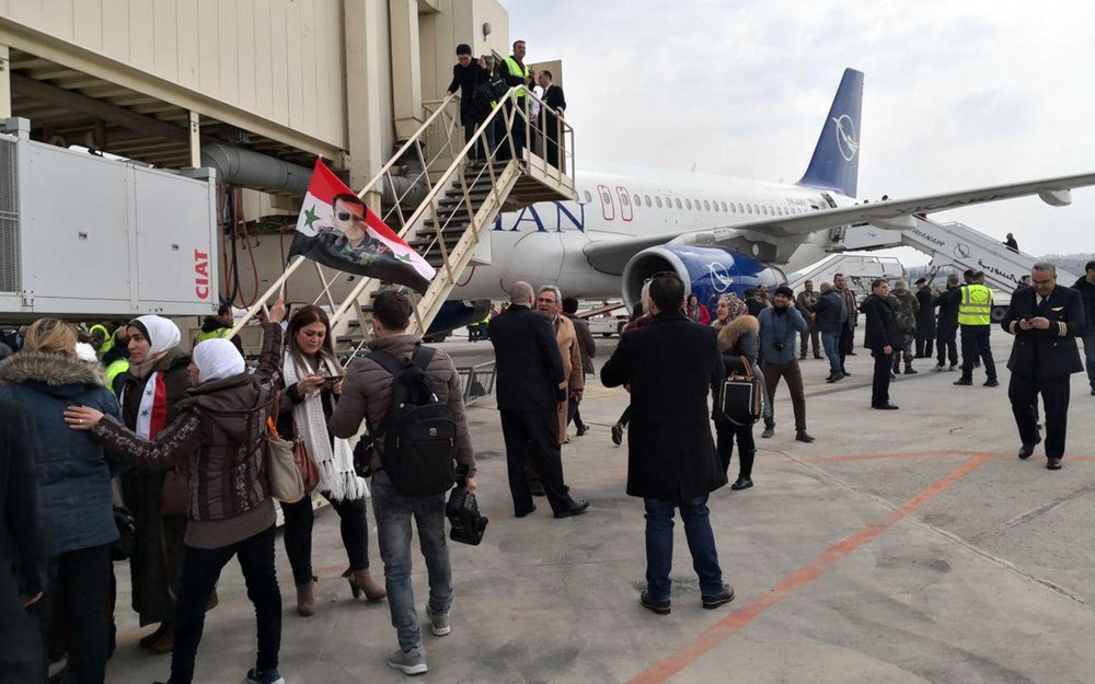 Syria's Aleppo airport resumes flights amid fighting nearby