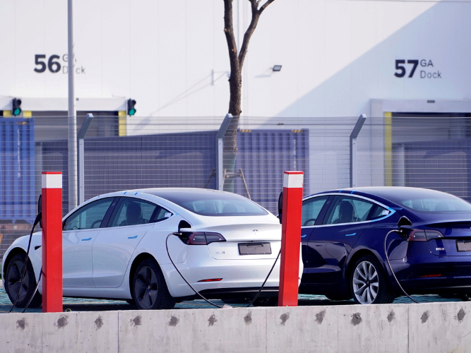 Tesla signs agreement with CATL battery maker