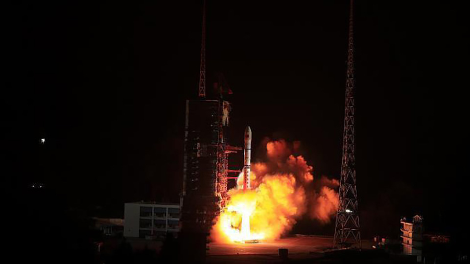 China successfully launches 4 satellites on single carrier rocket