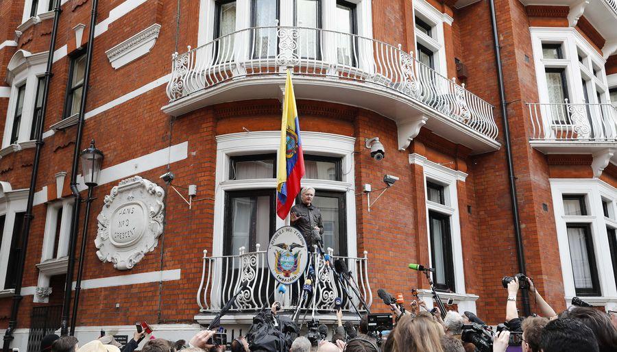 Wikileaks' founder Assange may seek asylum in France again: lawyer