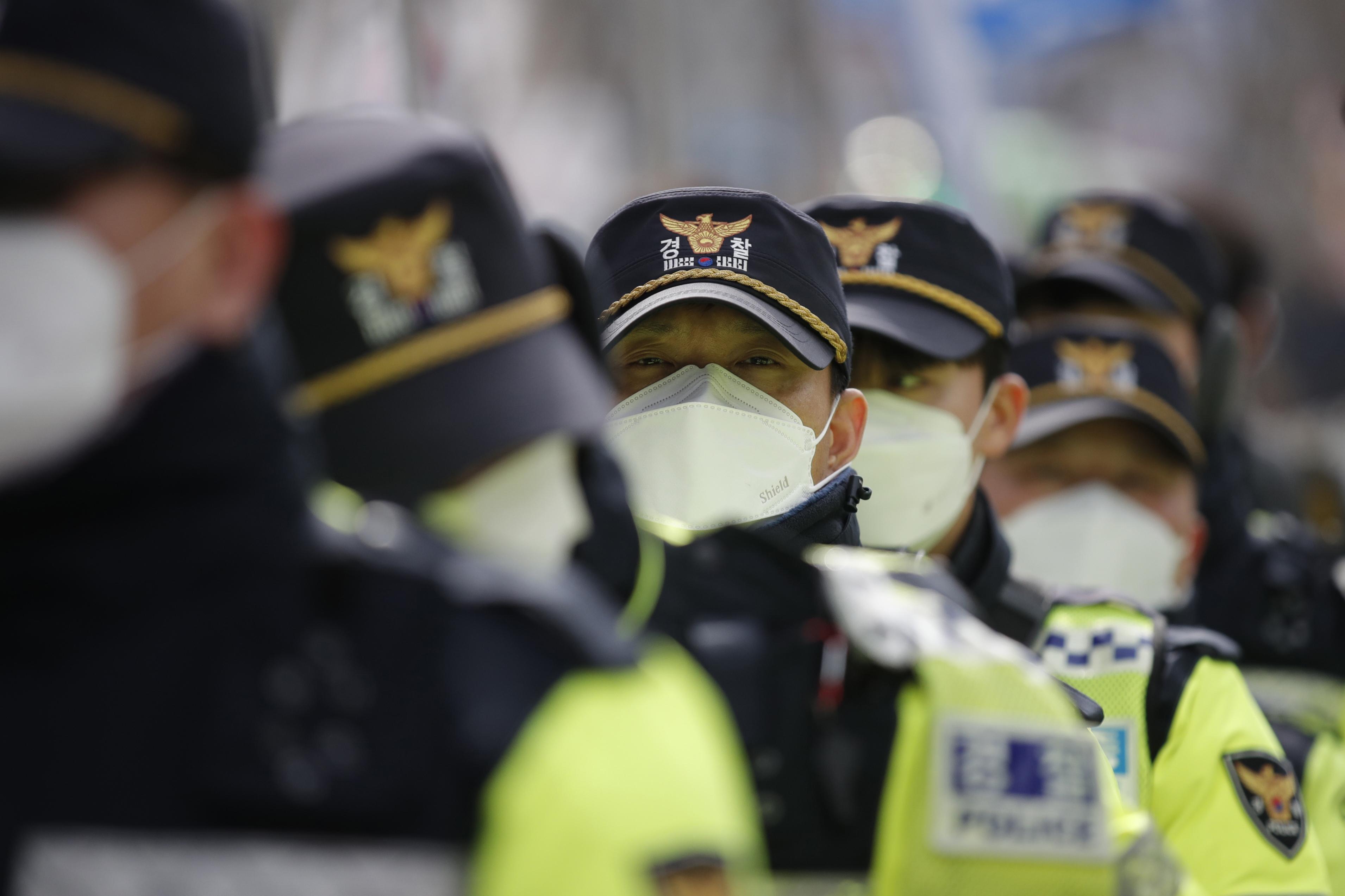 South Korea raises virus alert level to 'highest' as cases surge