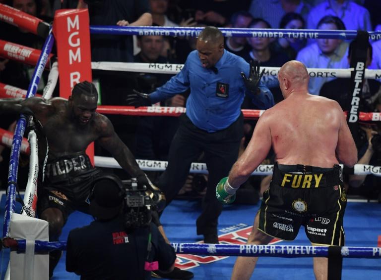 Sensational Fury crushes Wilder in heavyweight title rematch