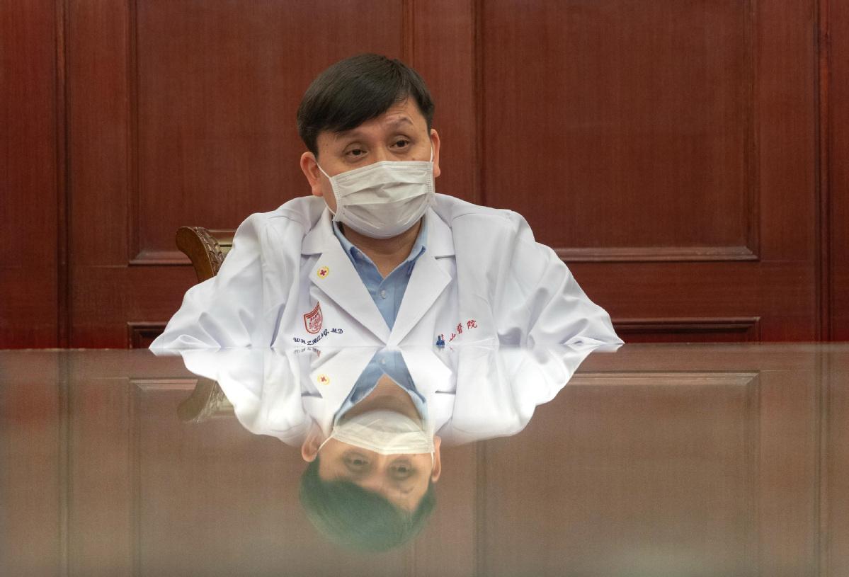 Celebrity doctor hailed for frank speech style