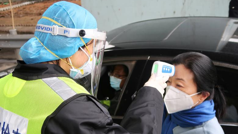 Beijing rolls out QR system for coronavirus tracking