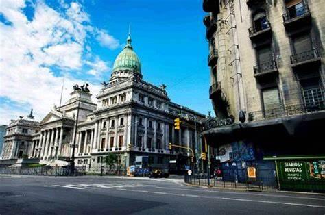 IMF mission visits Argentina over refinancing debt