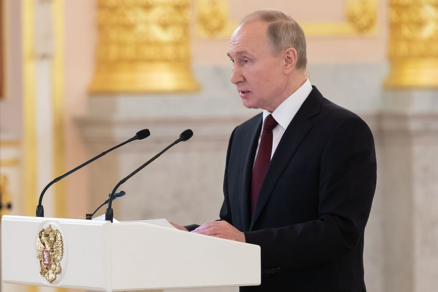 Putin says Russia does not plan to fight anyone