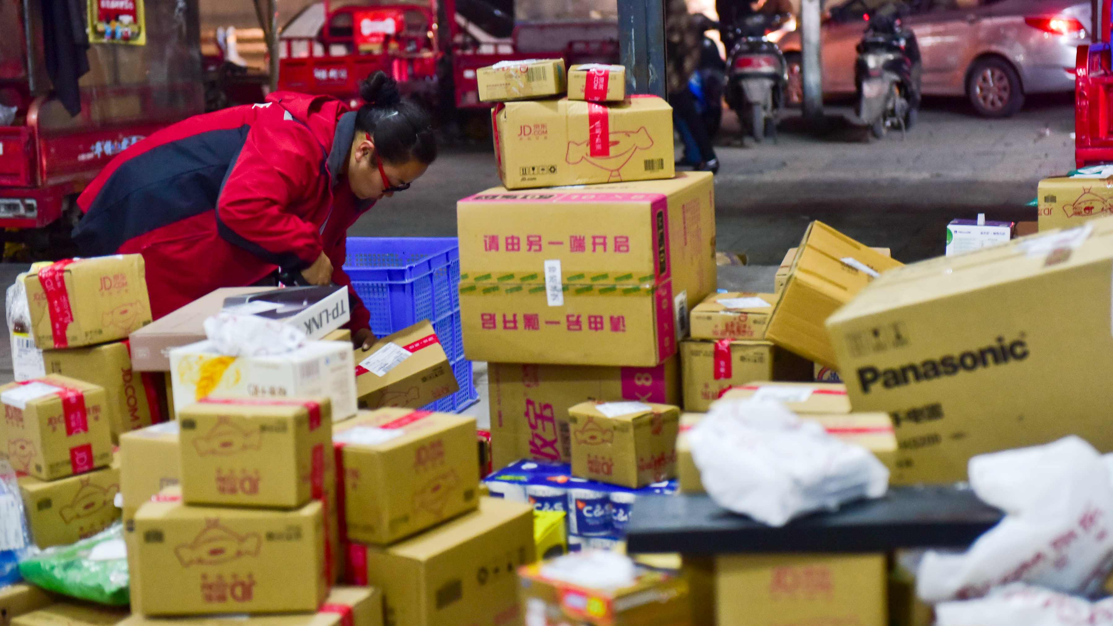 China's courier sector sees 80 percent resumption of normal delivery capacity
