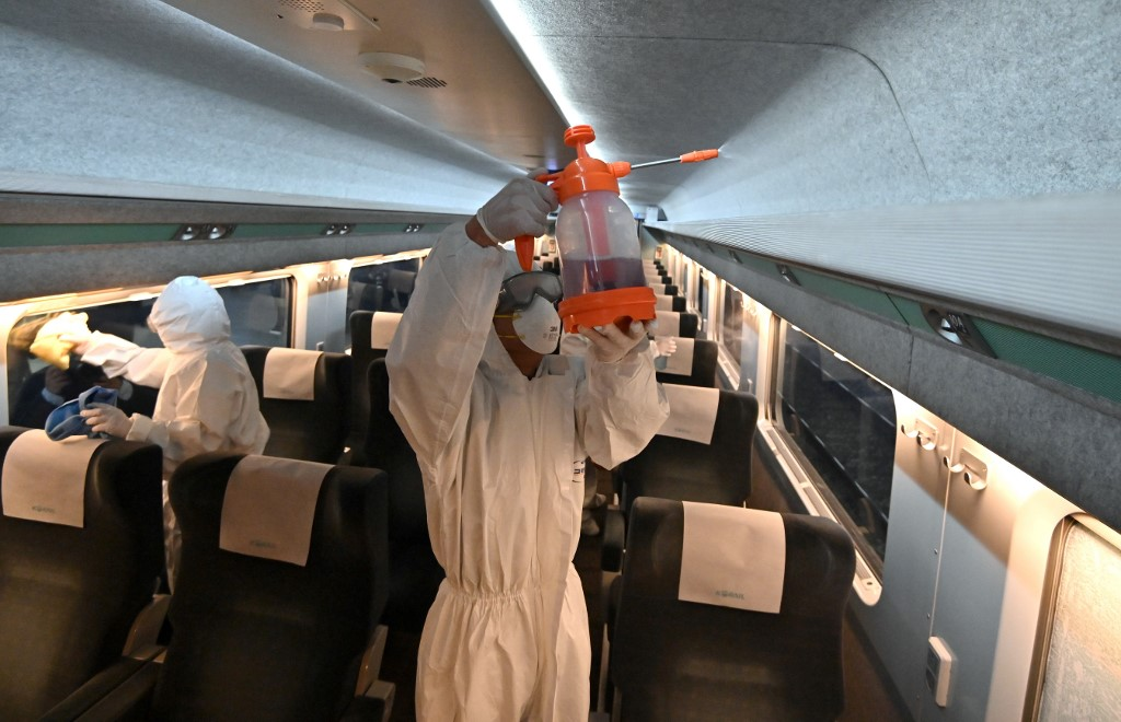 Japan to quarantine arrivals from China, South Korea over virus
