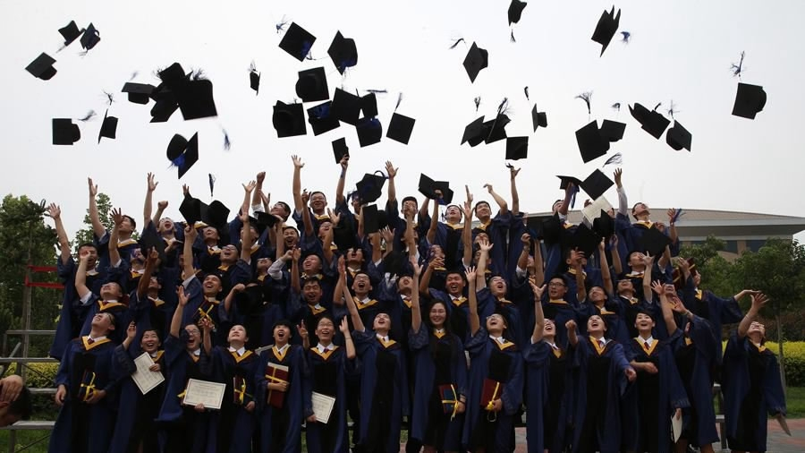 China helps college graduates find jobs, pursue further education amid epidemic