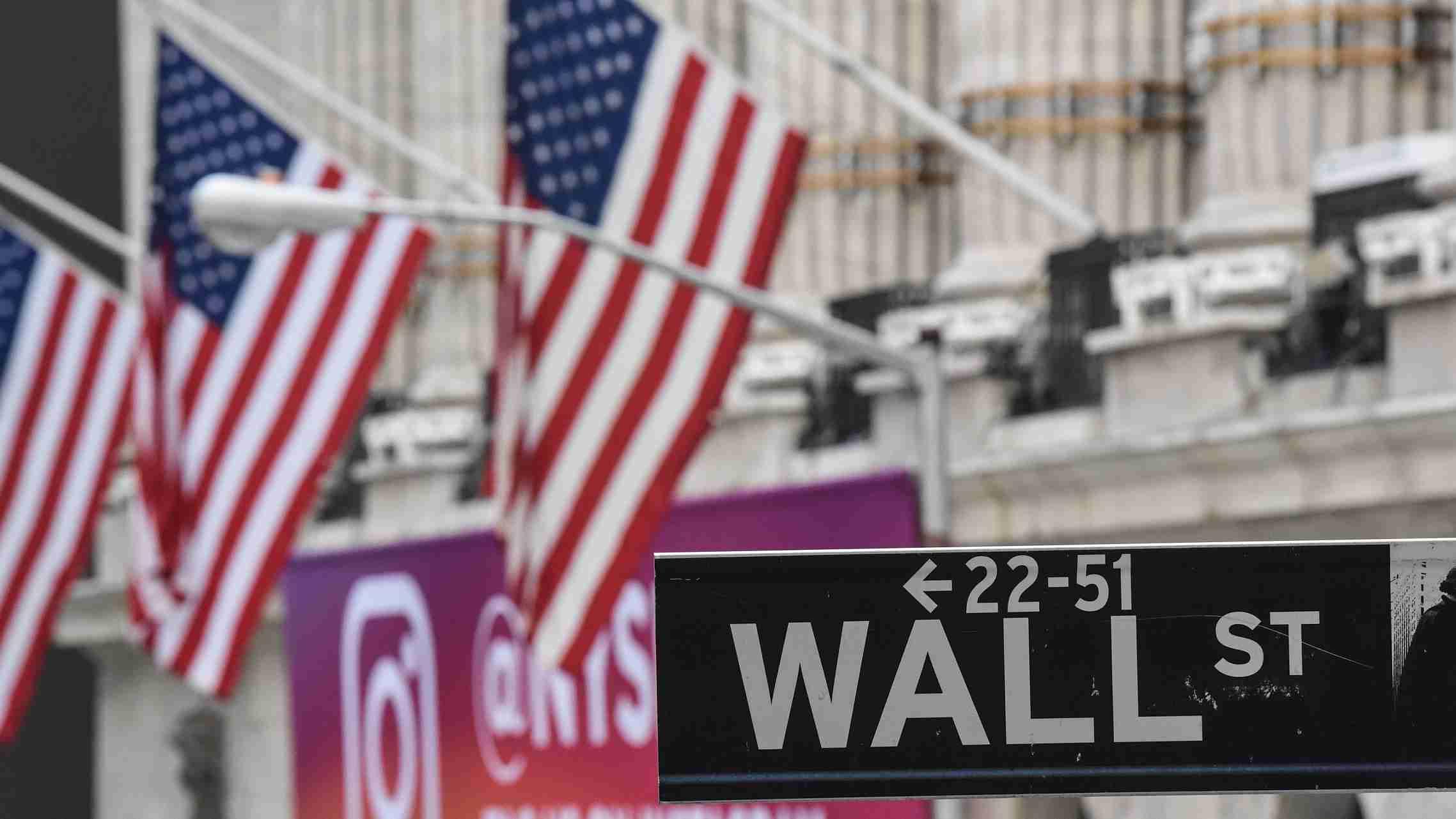 Wall Street 'will bounce back,' Fed should cut rates again: Trump