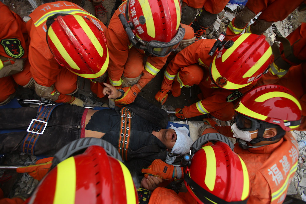 Death toll rises to 10 after hotel collapses in east China