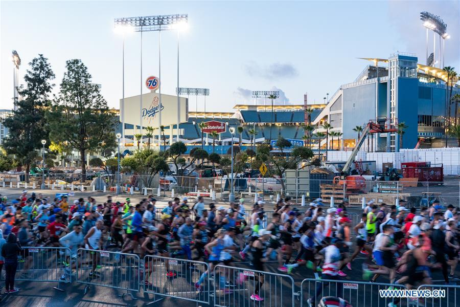 Los Angeles Marathon held despite coronavirus concerns