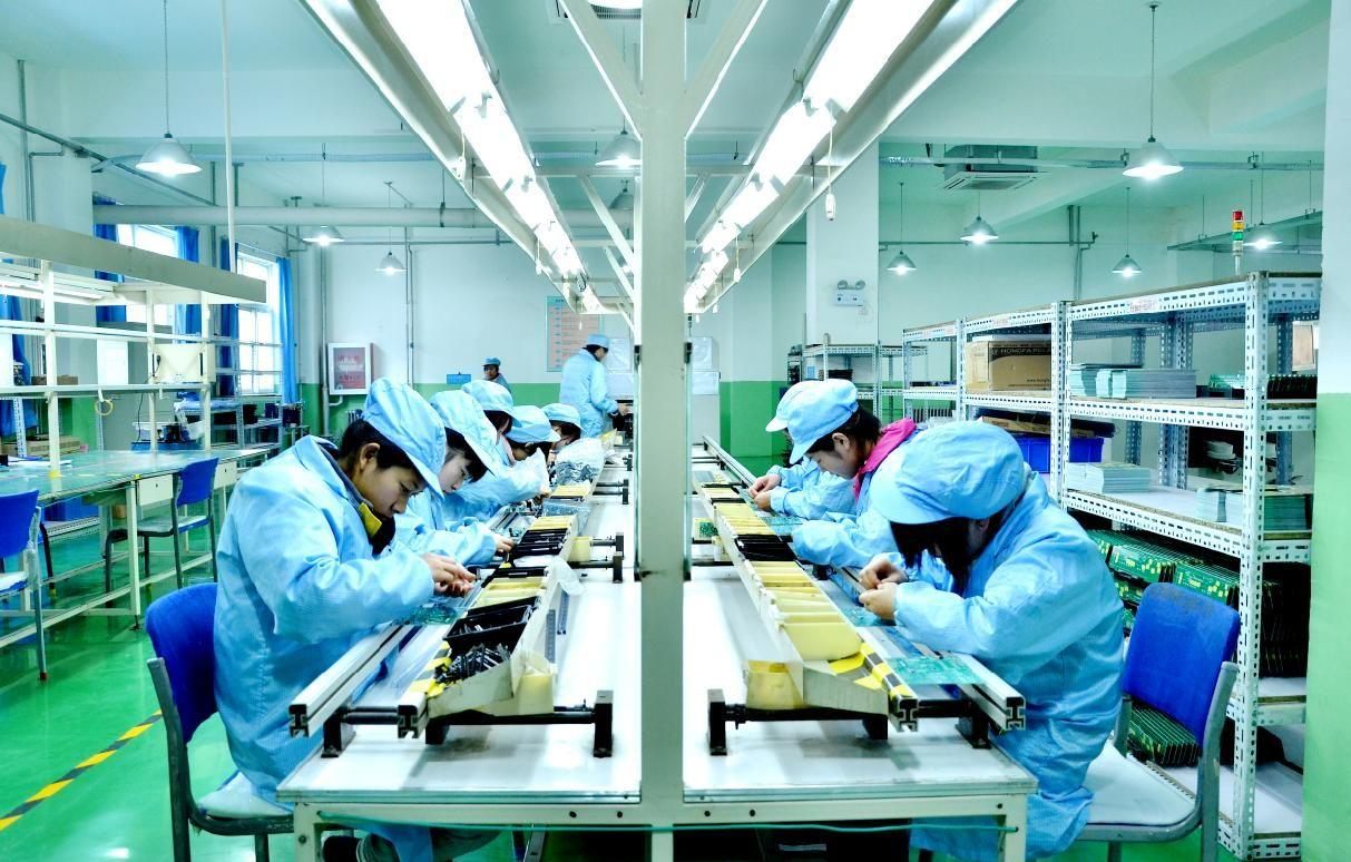 Shanghai offers over 50 bln yuan of loans to virus-hit industries, SMEs