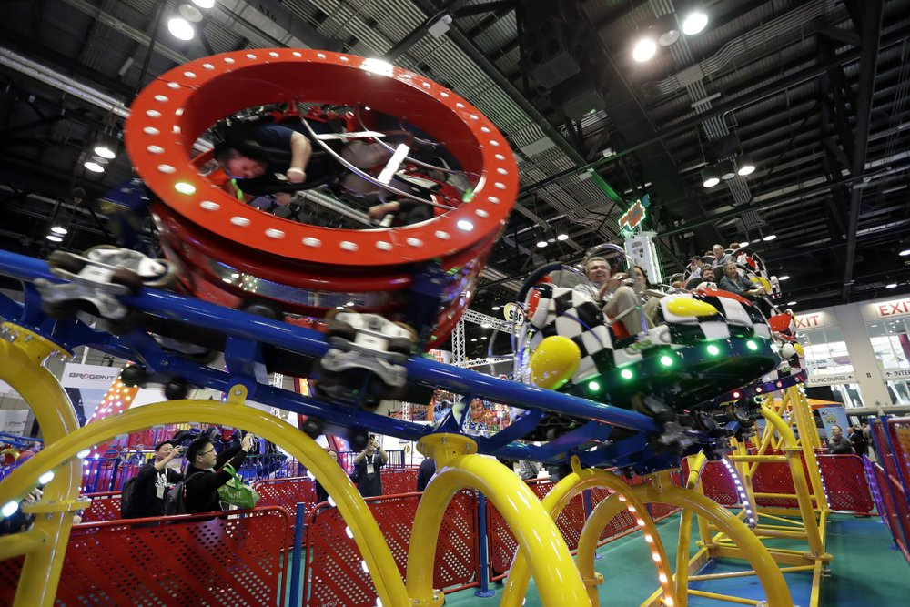 Florida theme parks keep eye on virus as spring break nears