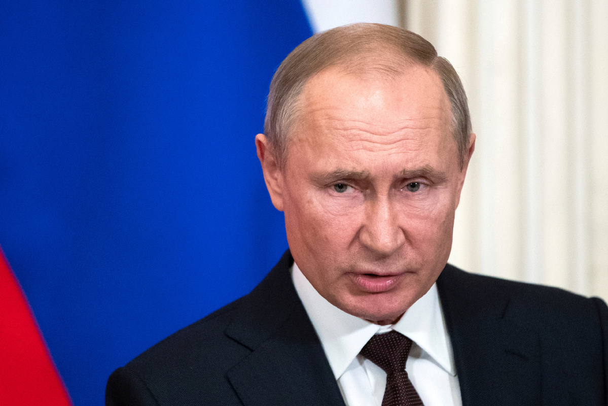 Putin seeks to limit terms for president