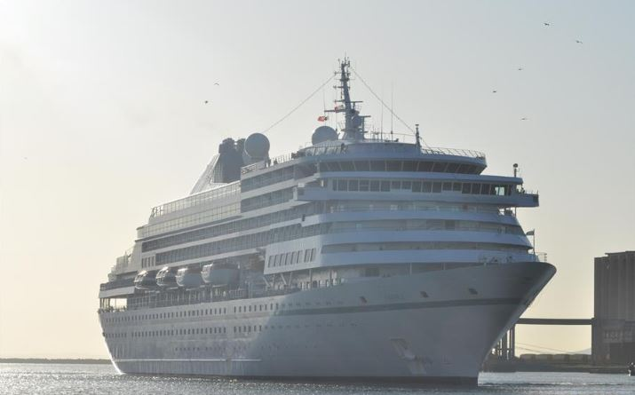 Canada urges citizens not to take cruise ship travel